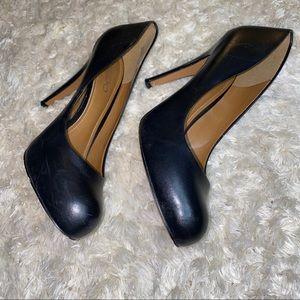 Aldo black leather pumps